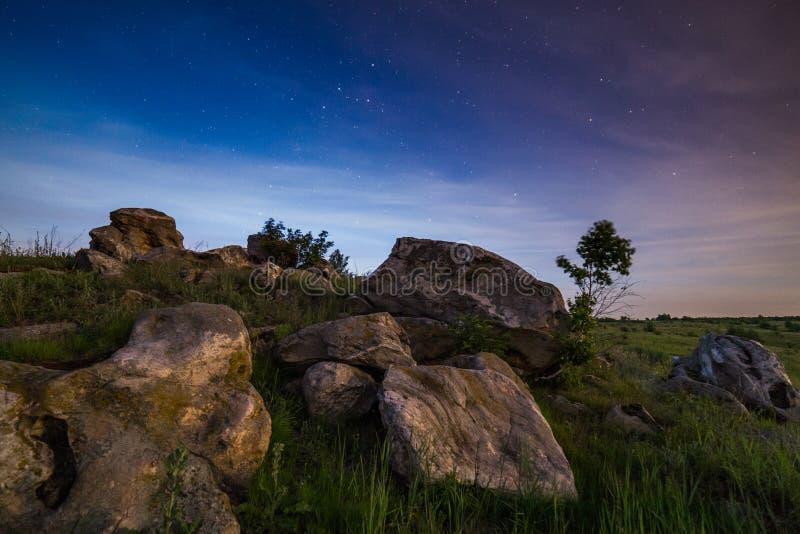 Het landschap van nachtstenen royalty-vrije stock afbeeldingen