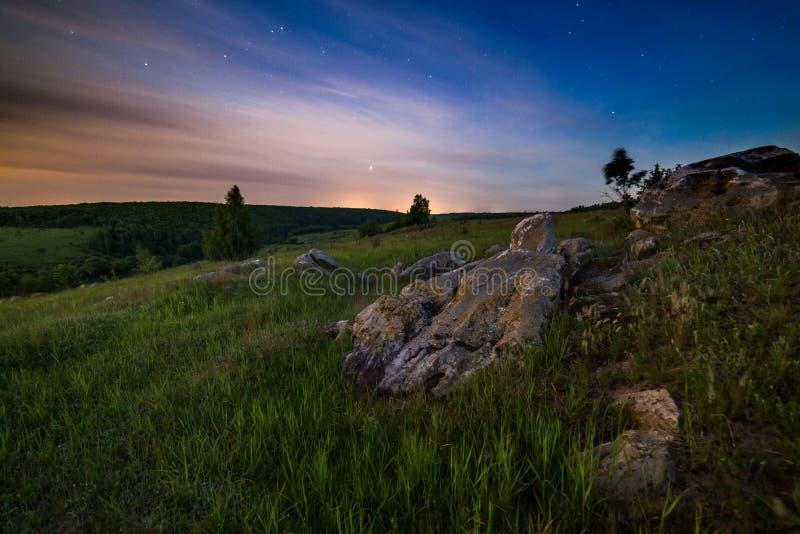Het landschap van nachtstenen stock afbeeldingen