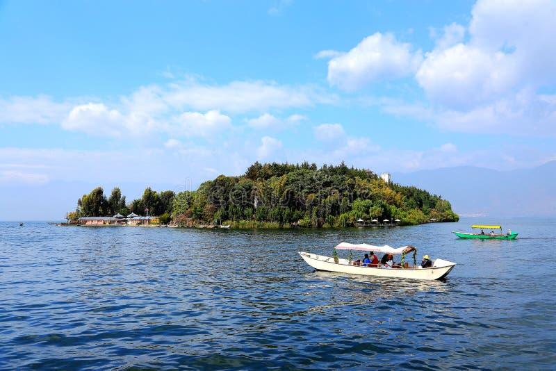 Het landschap van Oever van het meer van Erhai-Meer stock fotografie