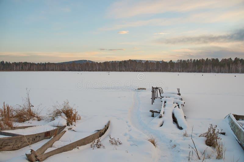 Het Landschap van Rusland - Dorp - Zonsondergang royalty-vrije stock afbeeldingen