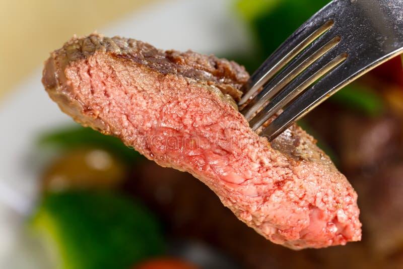 Het Lapje vlees van de Strook van New York met Groenten royalty-vrije stock fotografie