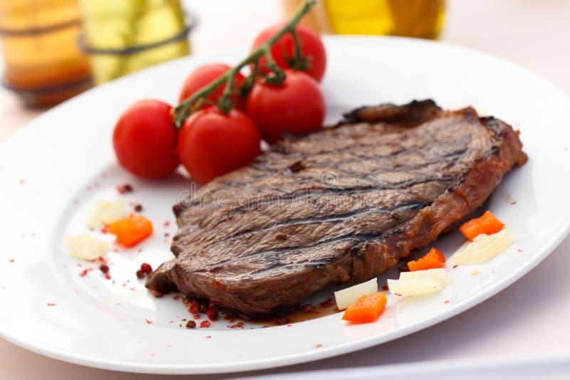 Het Lapje vlees van de Strook van New York met Groenten stock afbeeldingen