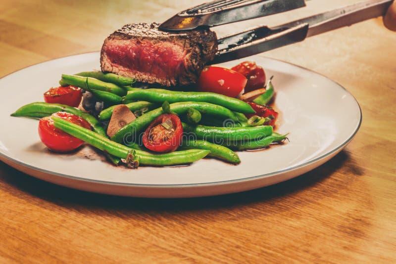 Het lapje vlees wordt gediend royalty-vrije stock afbeeldingen