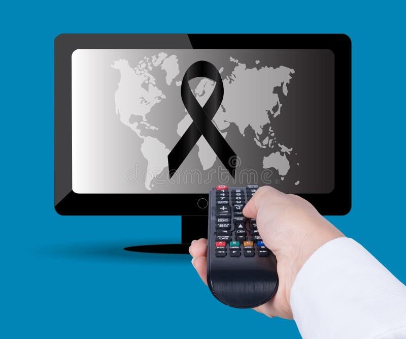 Het letten op TV en het gebruiken van ver controlemechanisme royalty-vrije stock foto's