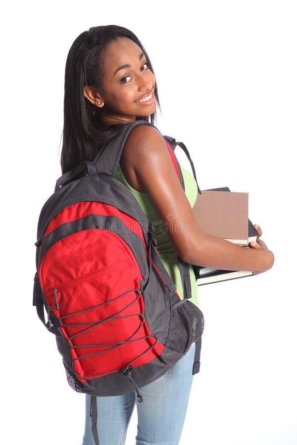 Het leuke Afrikaanse Amerikaanse meisje van de middelbare schoolstudent royalty-vrije stock afbeeldingen