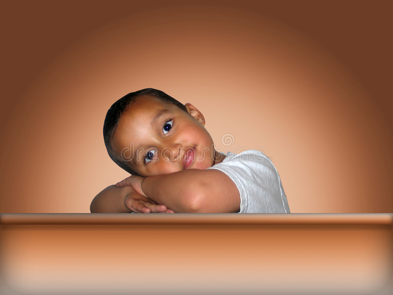 Het Leunen van Little Boy royalty-vrije stock afbeeldingen
