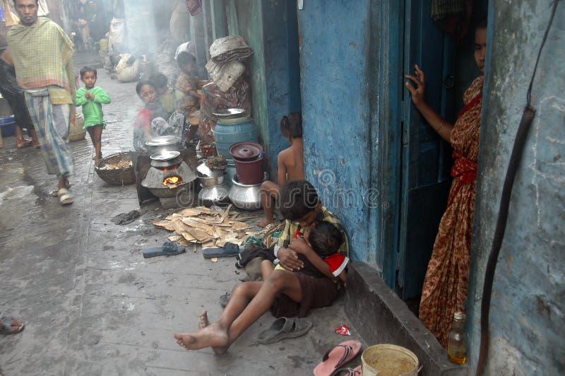 Het leven van de krottenwijk in India royalty-vrije stock afbeeldingen