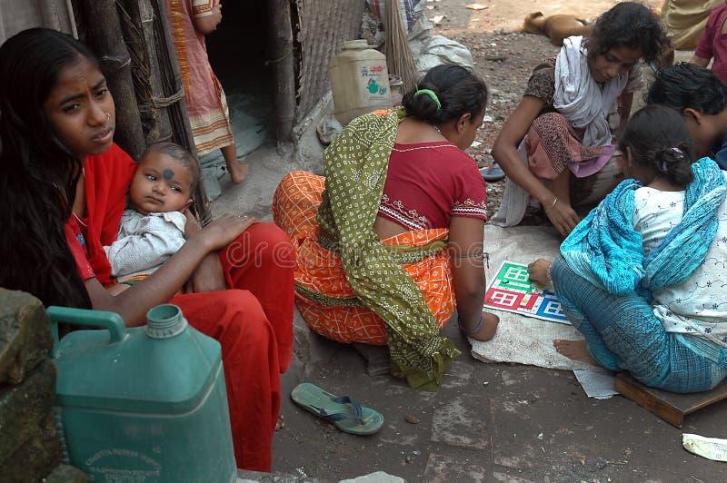 Het leven van de krottenwijk in India stock foto's