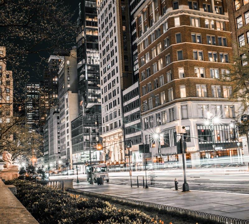 Het levensscène op een bezige weg in Manhattan royalty-vrije stock afbeelding
