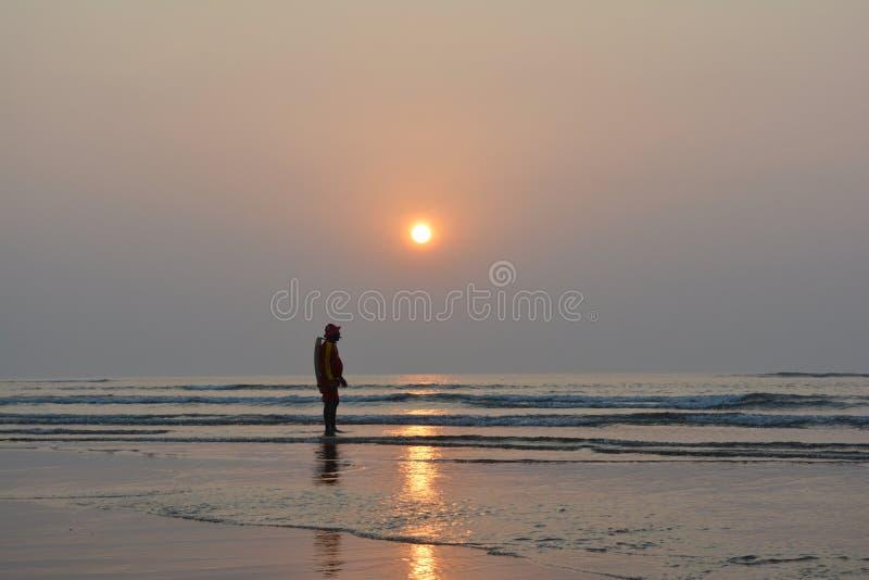 Het levenswacht op een kust stock afbeelding