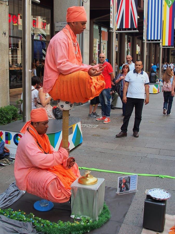 Het levitatie ondergaan van Indische Truc stock foto
