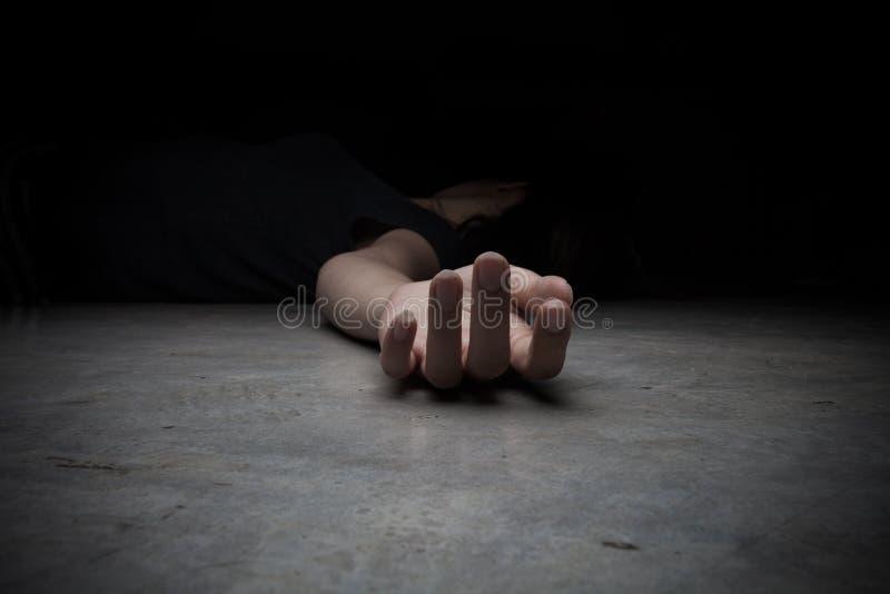 Het lichaam van het overledene Nadruk op hand royalty-vrije stock foto