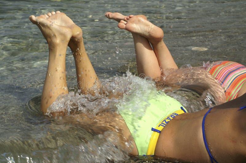 Het lichaam van het strand stock foto's