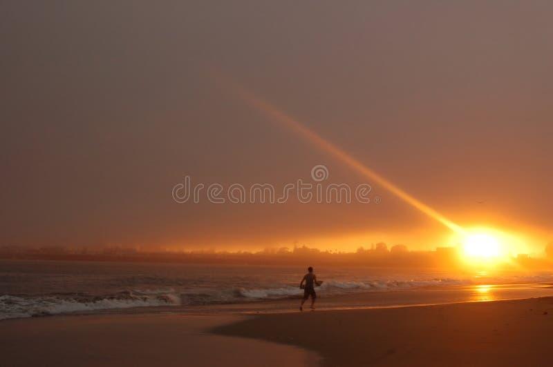 Download In het licht stock foto. Afbeelding bestaande uit surfing - 285980