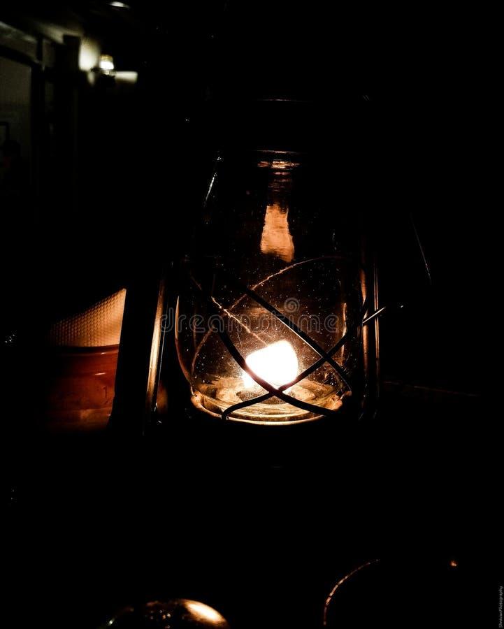 Het licht van binnenuit brandwonden het helderst! stock fotografie