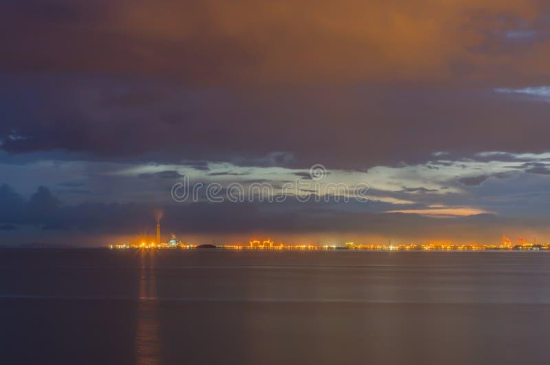 Het licht van chemische fabriek royalty-vrije stock fotografie