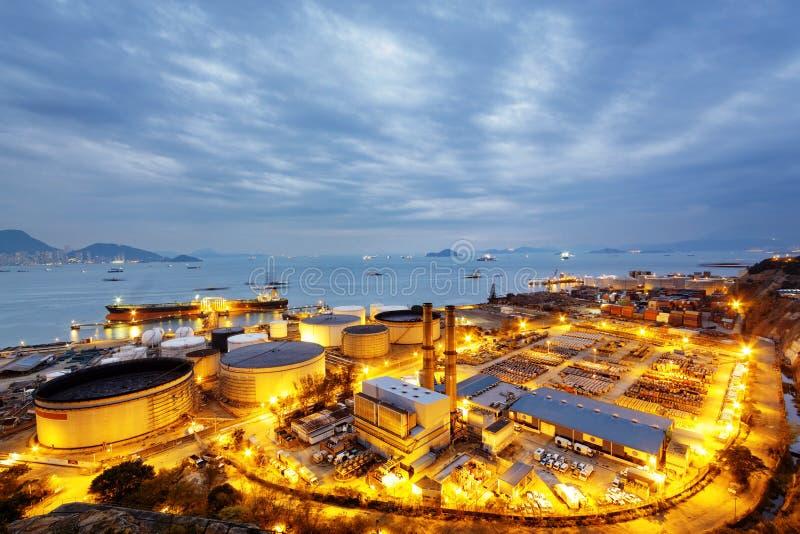 Het licht van de gloed van de petrochemische industrie stock fotografie