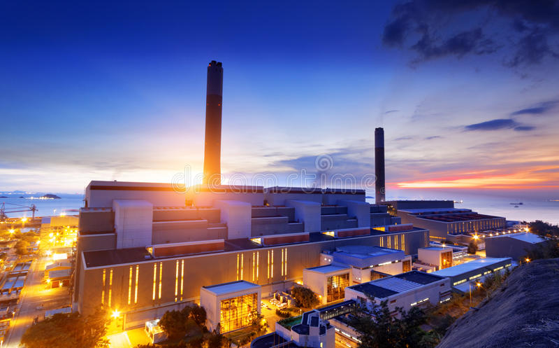 Het licht van de gloed van de petrochemische industrie stock afbeelding