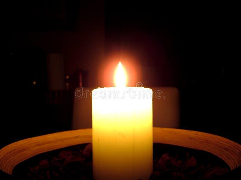 Download Het licht van de kaars stock foto. Afbeelding bestaande uit hitte - 32210