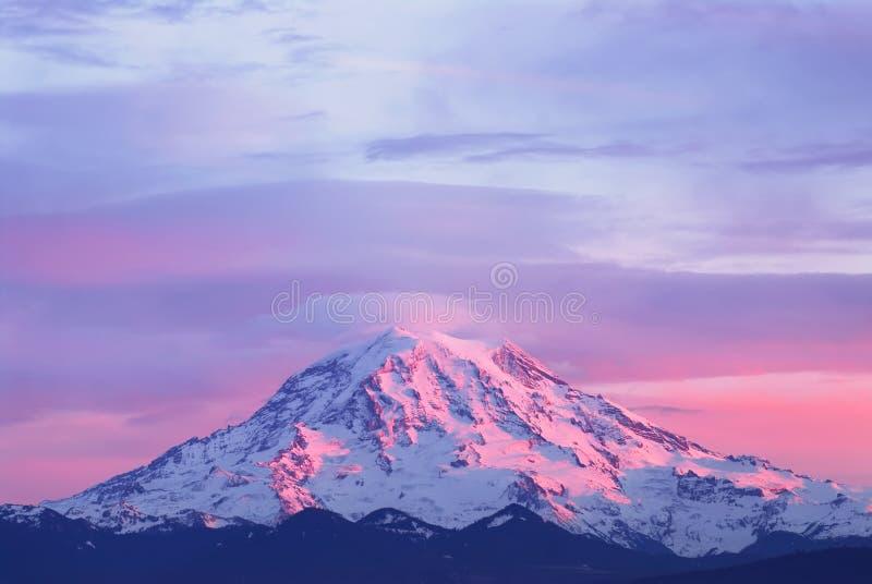 Het licht van de zonsondergang op Regenachtiger Onderstel royalty-vrije stock foto's