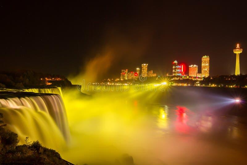 Download Het Licht Van Niagaradalingen Toont Bij Nacht, De V.S. Stock Foto - Afbeelding bestaande uit nieuw, autumn: 54076196