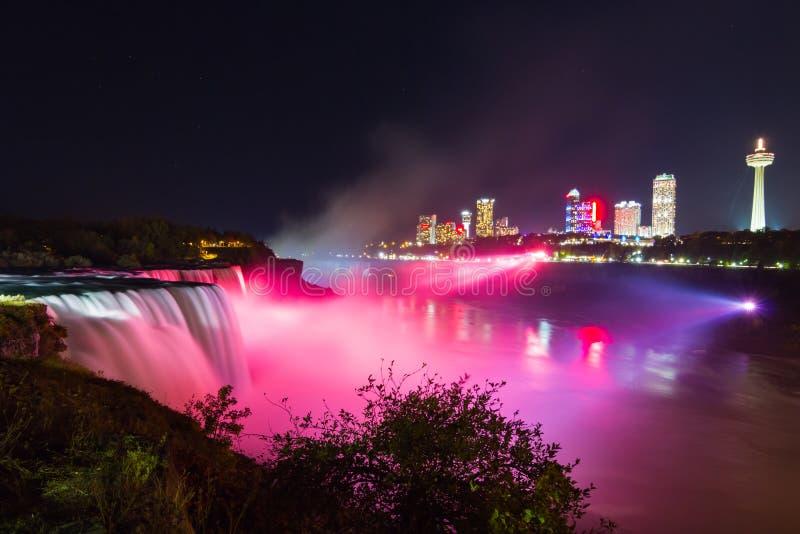 Download Het Licht Van Niagaradalingen Toont Bij Nacht, De V.S. Stock Foto - Afbeelding bestaande uit park, regenboog: 54076216