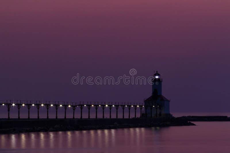 Het Licht van Pierhead van het Oosten van de Stad van Michigan stock afbeelding