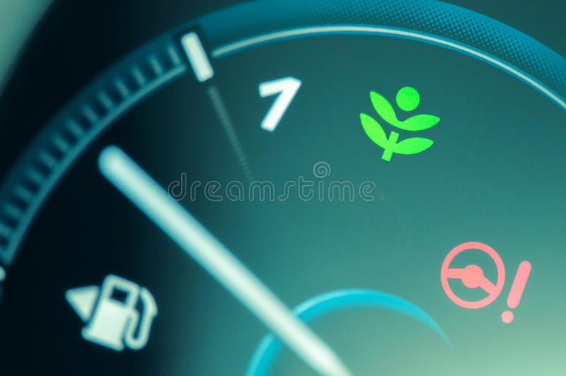 Het lichte pictogram van de Ecoaandrijving op autodashboard royalty-vrije stock fotografie