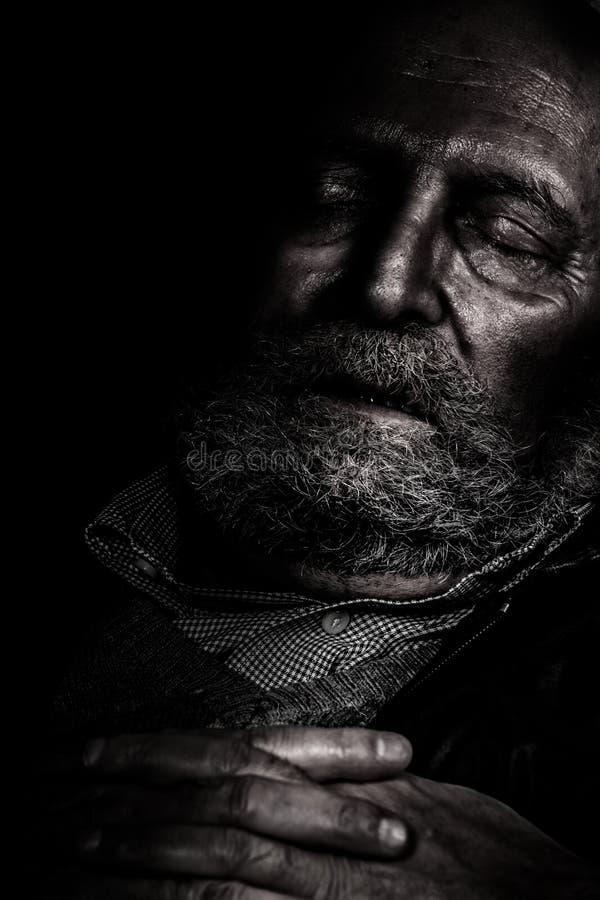 Het lijden en eenzaamheidsbejaarden stock afbeelding