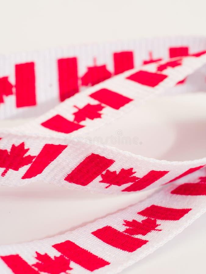 Download Het Lint Van De Vlag Van Canada Stock Afbeelding - Afbeelding bestaande uit vlaggen, rood: 29512835
