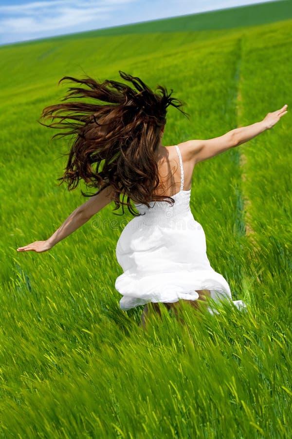 Het lopen en het dansen stock foto