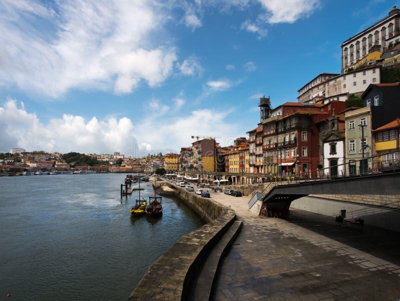 Het lopen rond de oude stad van Porto stock foto
