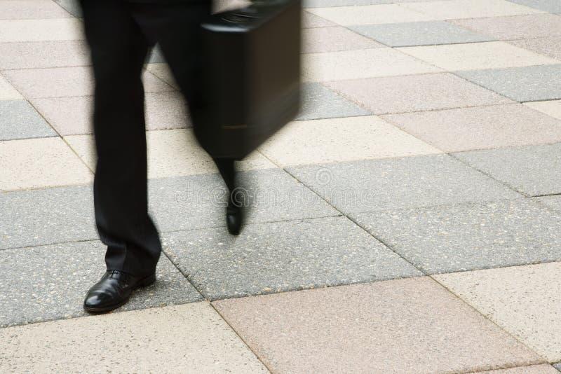 Het lopen van de zakenman. stock fotografie
