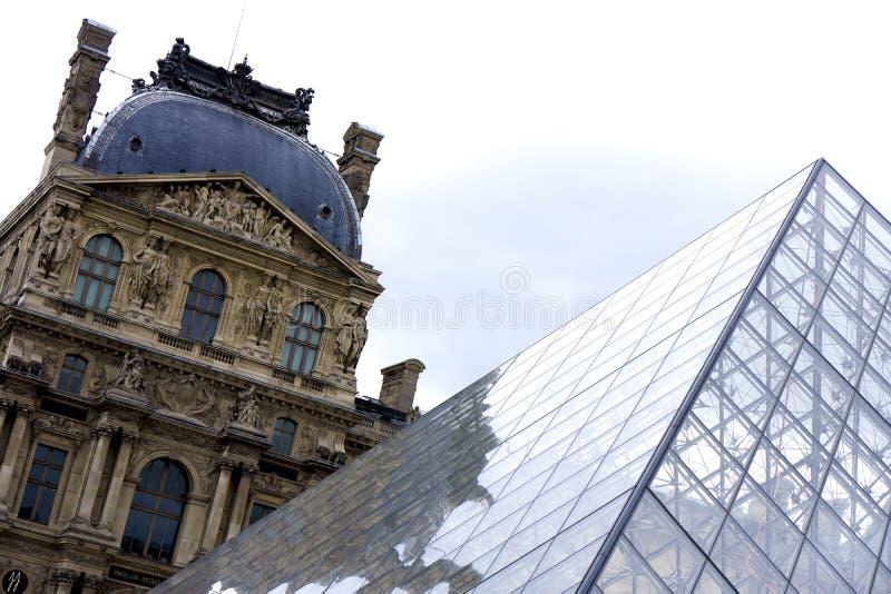 Het Louvre stock afbeelding