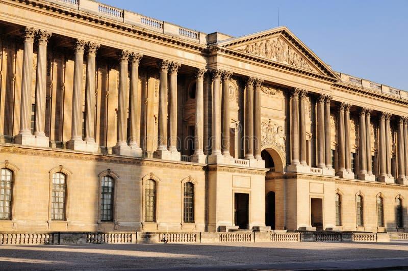 Het Louvre, Parijs stock afbeeldingen