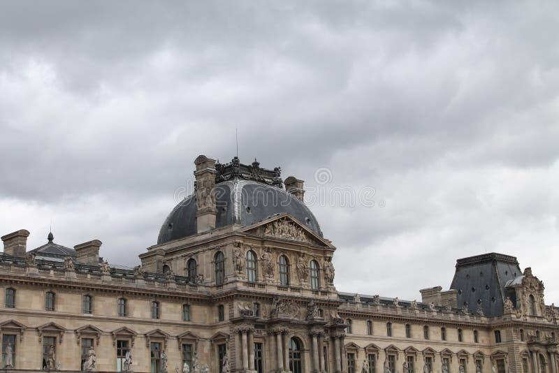 Het Louvre in Parijs, Frankrijk royalty-vrije stock foto's