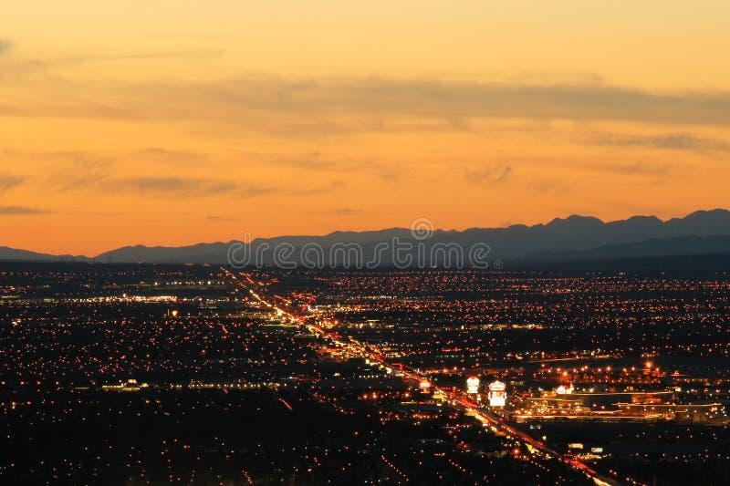 De stad van Las Vegas bij nacht stock afbeelding
