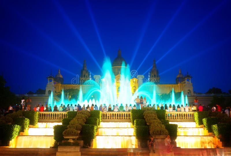 Het magische Fonteinlicht toont, Barcelona stock foto's