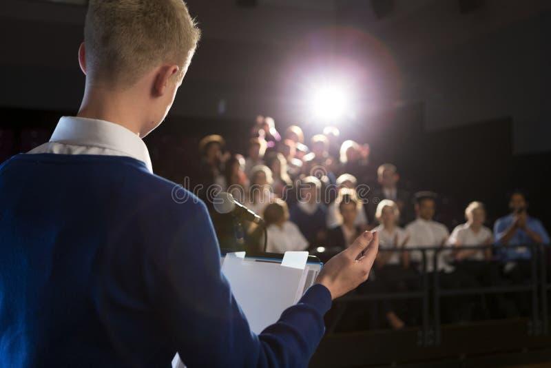 Het maken van een toespraak stock afbeeldingen