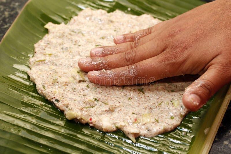 Het maken van Indisch brood royalty-vrije stock fotografie