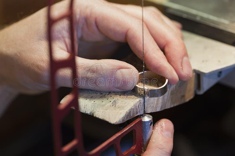 Het maken van juwelen stock fotografie