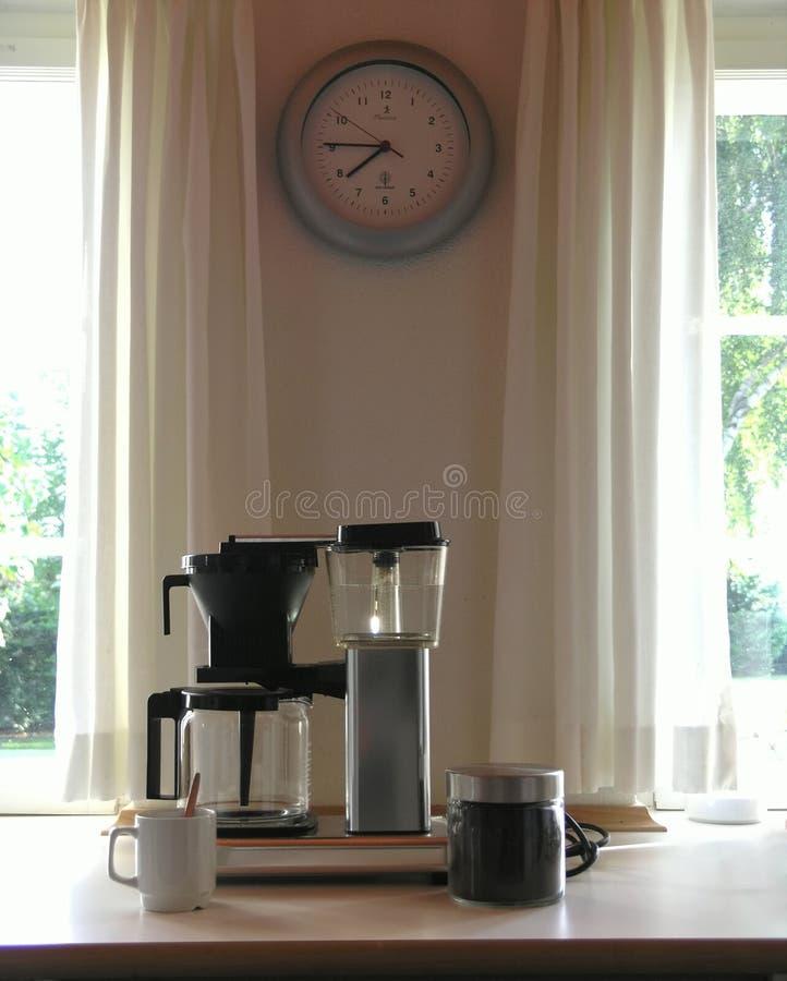 Het maken van koffie stock foto's