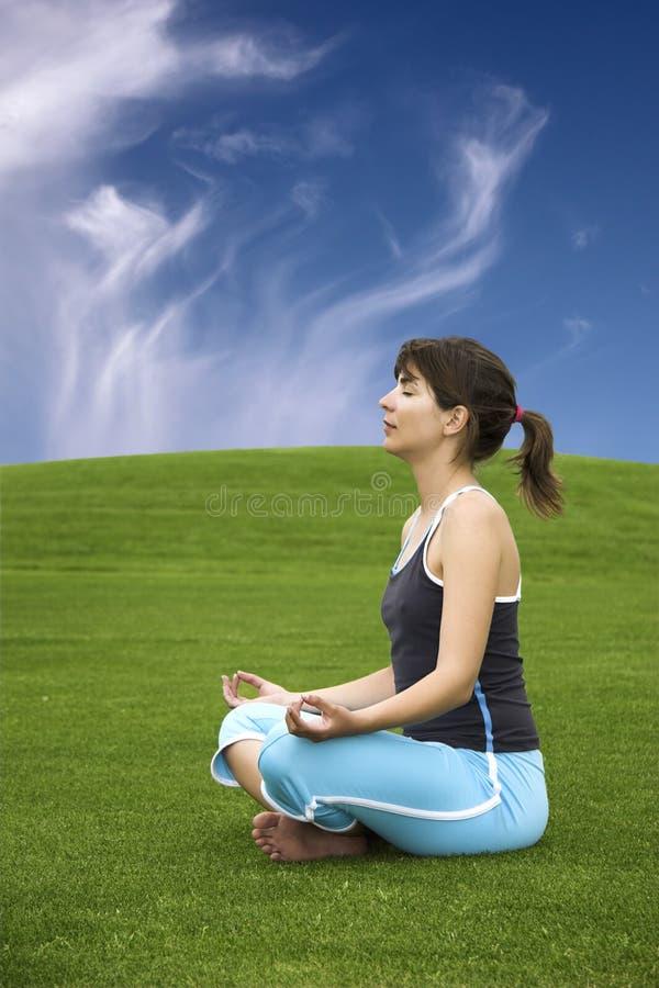 Het maken van Yoga royalty-vrije stock afbeeldingen