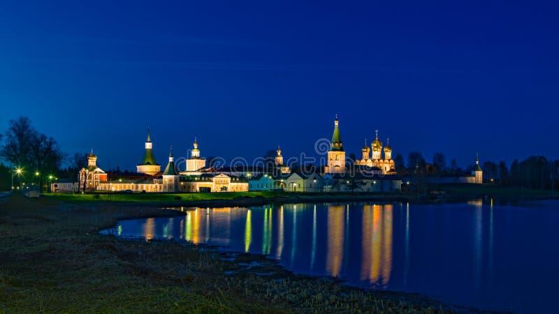 Het mannelijke Klooster van Valdai Iver Svyatoozersky Virgin stock afbeeldingen