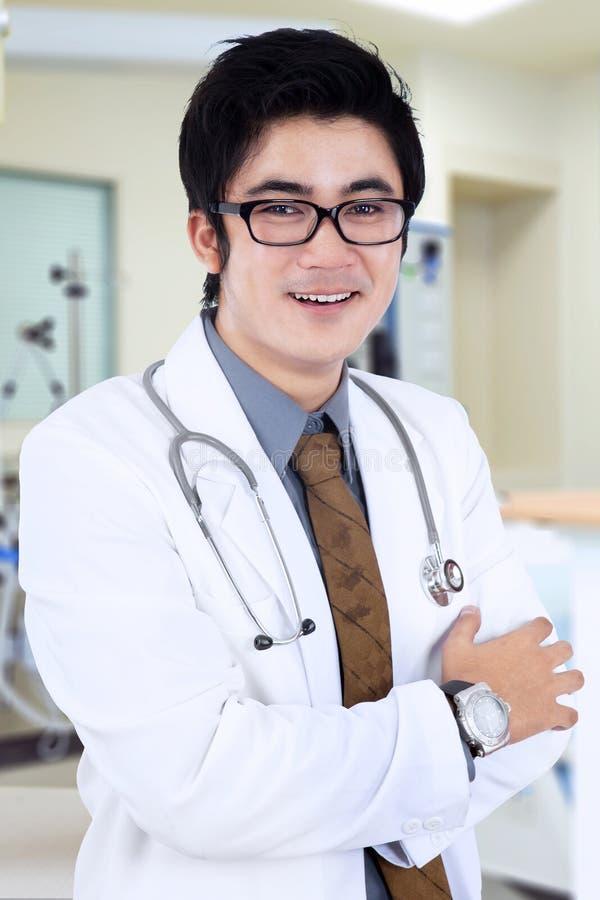 Het mannelijke medische glimlachen stock fotografie