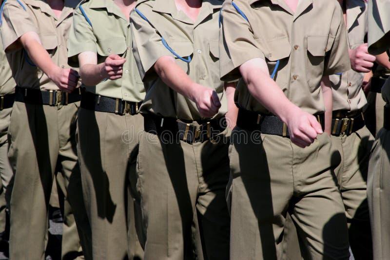 Het Marcheren van de Kadetten van strijdkrachten stock foto