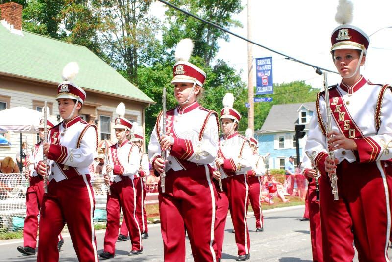 Het Marcheren van de Middelbare school van Benson Band, Benson, Mn stock foto's