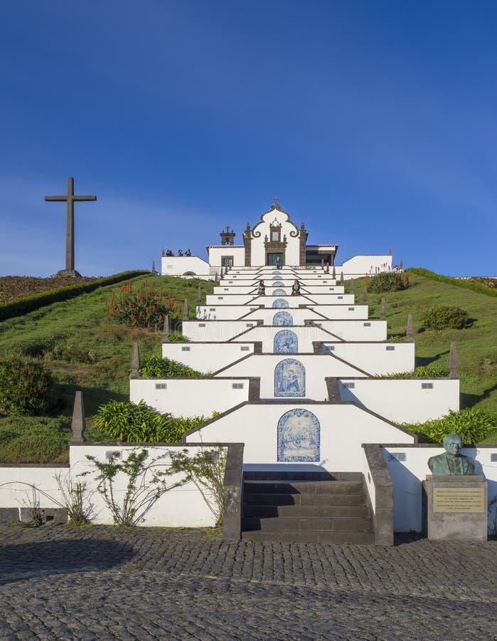 Het Marian heiligdom van Nossa Senhora DA Paz, Onze Dame Of Peace Chapel, mooie kleine kapel met reusachtige treden op a royalty-vrije stock afbeeldingen