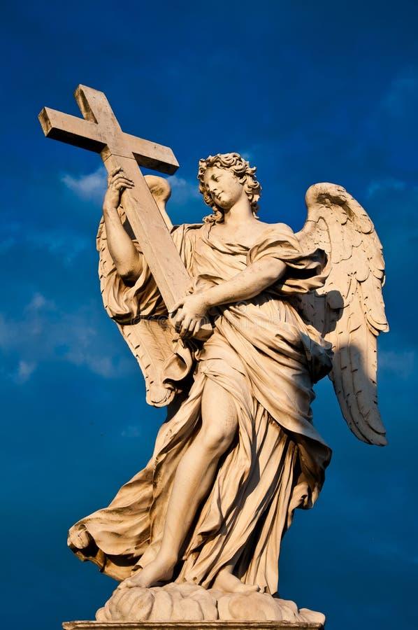 Het marmeren standbeeld van Bernini van engel stock fotografie