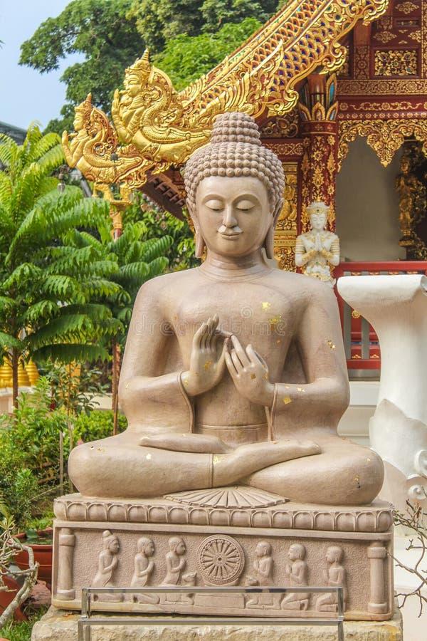 Het marmeren Standbeeld van Boedha in Wat Phra Sing, Chiang Rai Province stock afbeelding
